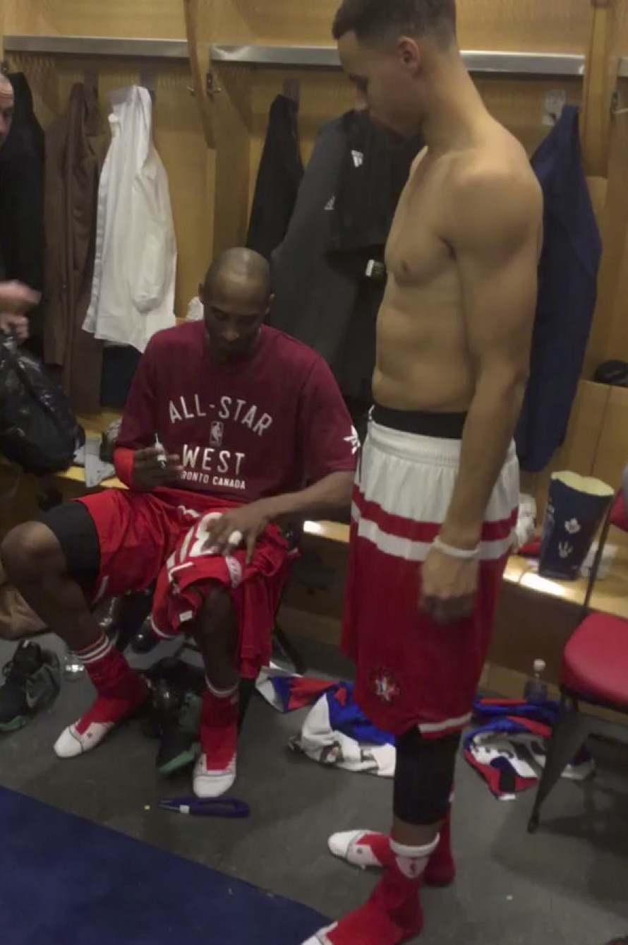 Steph Curry Has Kobe Sign His Jersey After All-Star Game