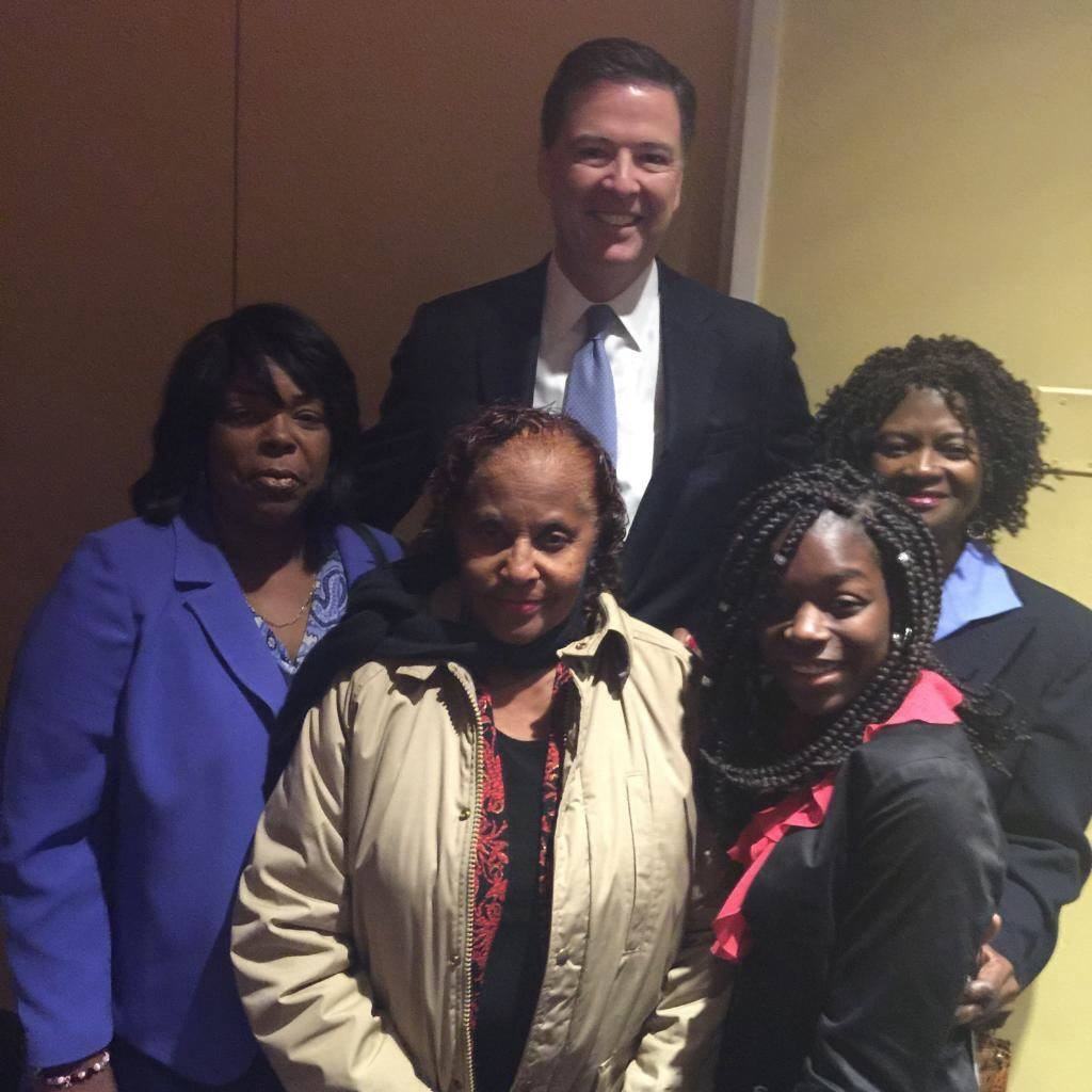 FBI Presents Leadership Award To Tampa Woman