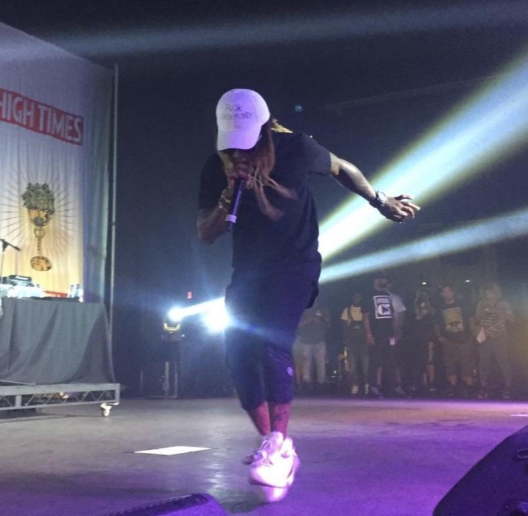 Headliner Lil Wayne Leaves Stage After 10-Minute Performance