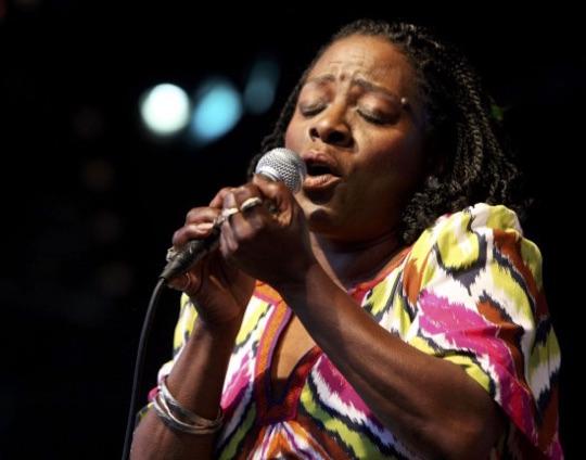 Soul Singer Sharon Jones Loses Cancer Battle