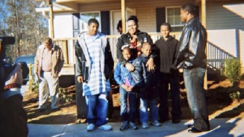 Former Tampa Bay Buc Warrick Dunn Gave Clemson QB's Family A House 10 Years Ago Through His Foundation