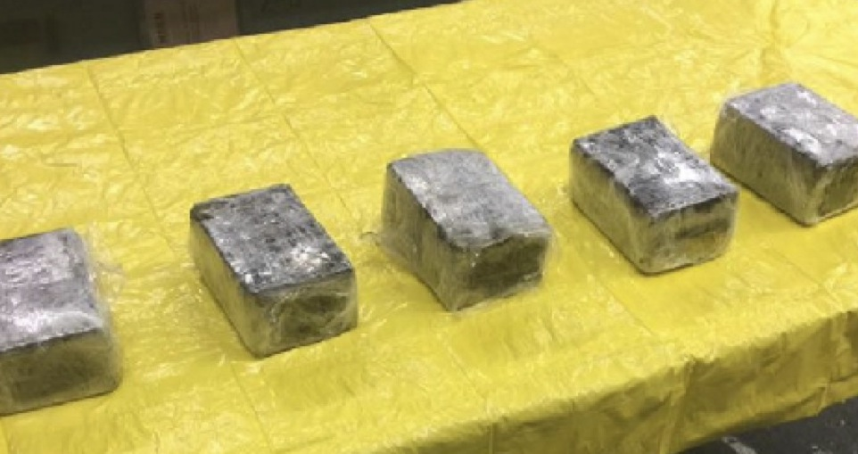 31 Pounds Of Cocaine Found In The Nose Of American Airlines Plane