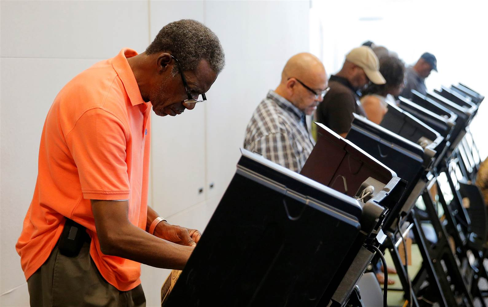 _1154096619_s1beuictsqaa_rtrmadp_3_usa-election-northcarolina-early-voting_b64d927d9ca9f2c331c7a275514bfd8a.nbcnews-ux-2880-1000