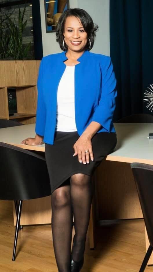 Lori Manns - Author