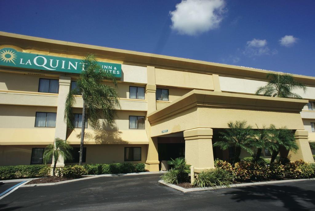 La Quinta Hotel & Suites